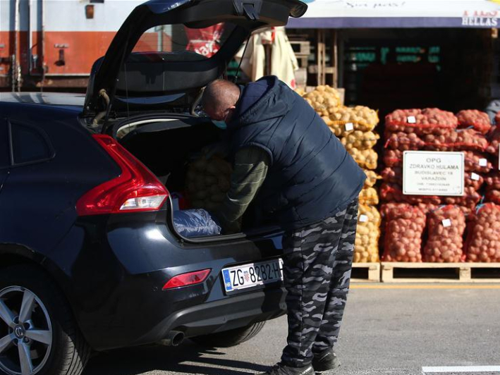 In pics: drive-in market during COVID-19 outbreak in Zagreb, Croatia