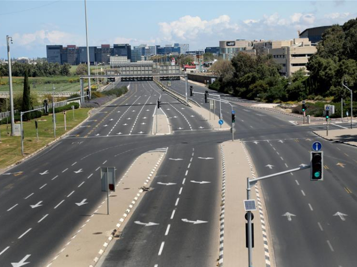 Road blocked in central Israeli city of Tel Aviv to curb spread of novel coronavirus
