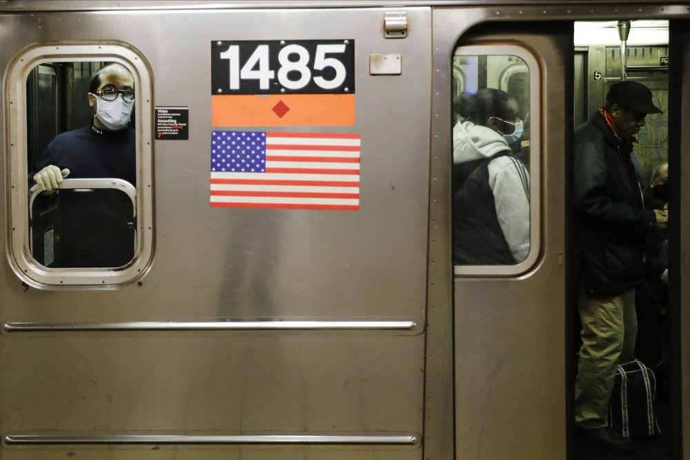 A conundrum for New Yorkers: Social distancing in the subway