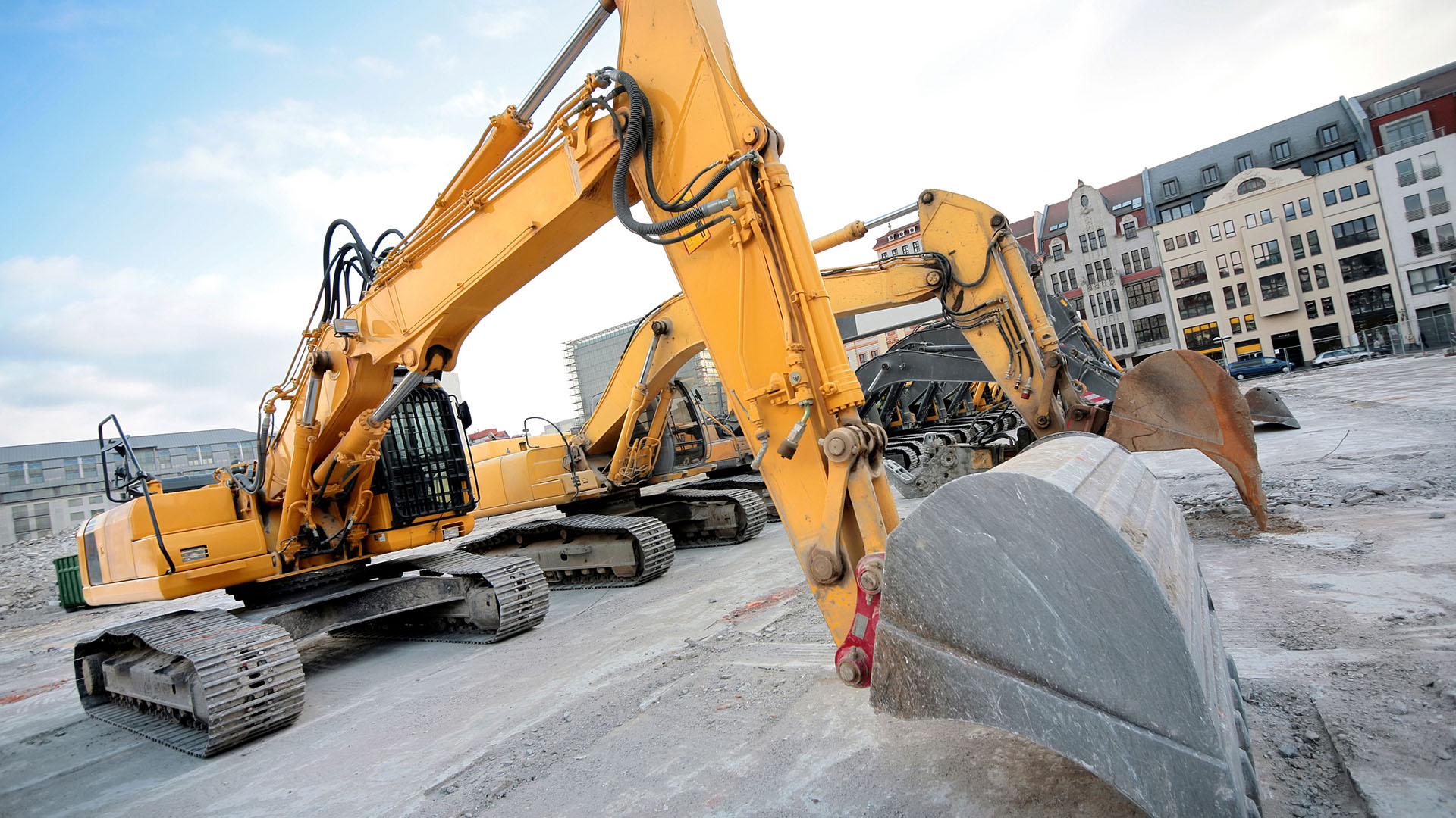 China's excavator sales hit record high in March