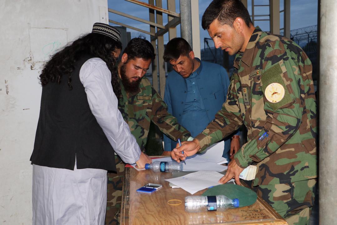 Afghan govt frees 361 Taliban prisoners