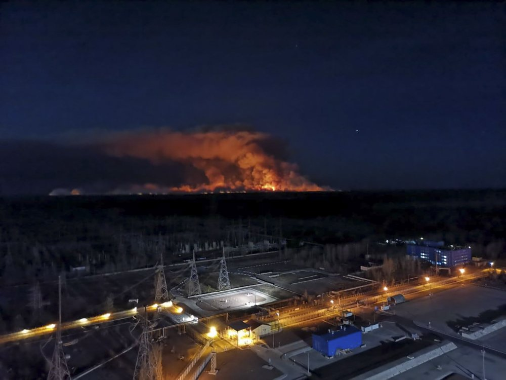 Ukrainian officials: Fires out near Chernobyl nuclear plant