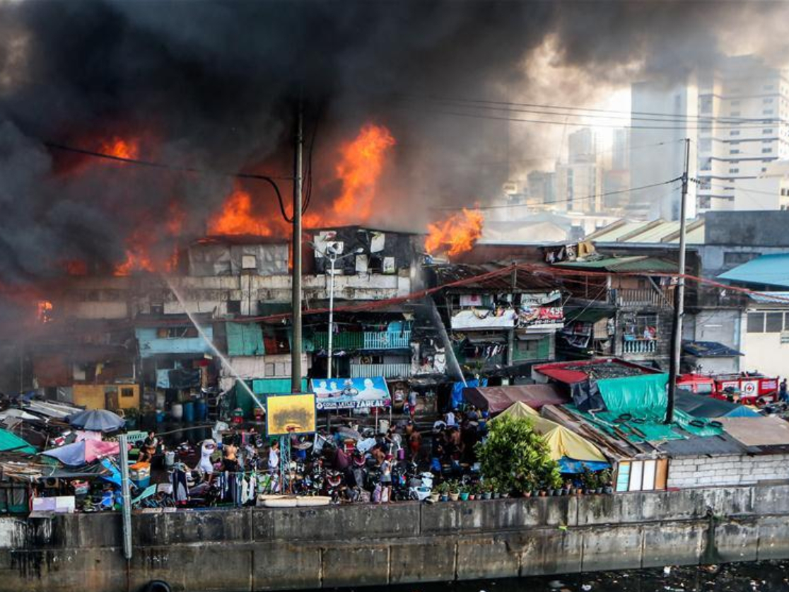 Over hundred families displaced in fire in Manila