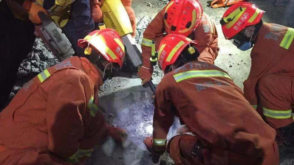 5 trapped in north China coal mine accident