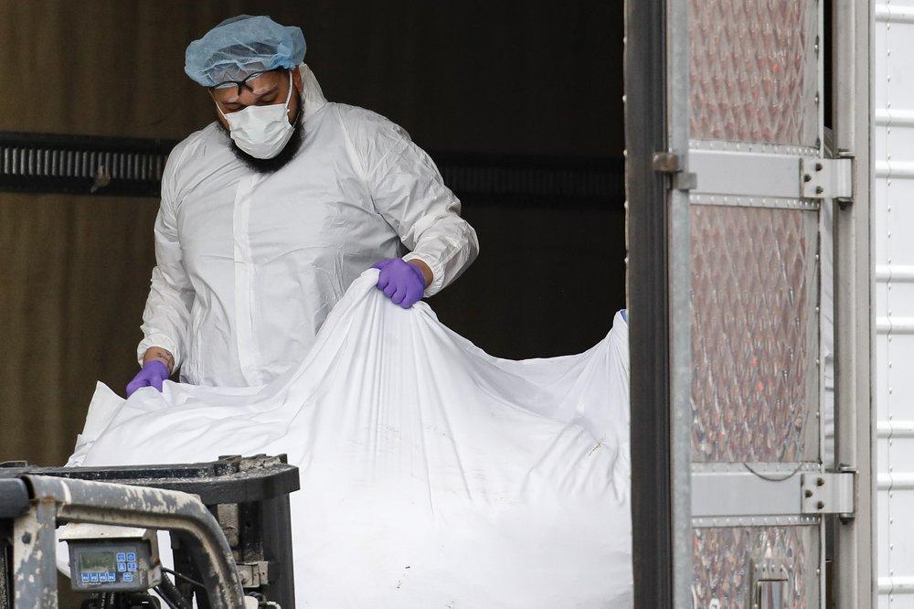 US coronavirus death toll exceeds 30,000