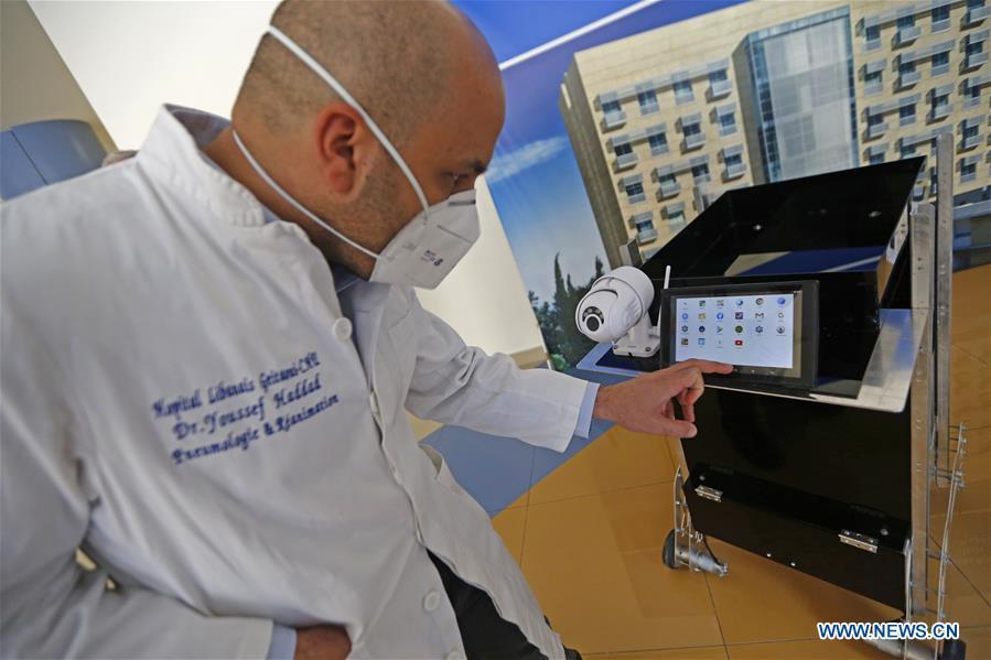 Lebanese experts make robots to facilitate COVID-19 testing