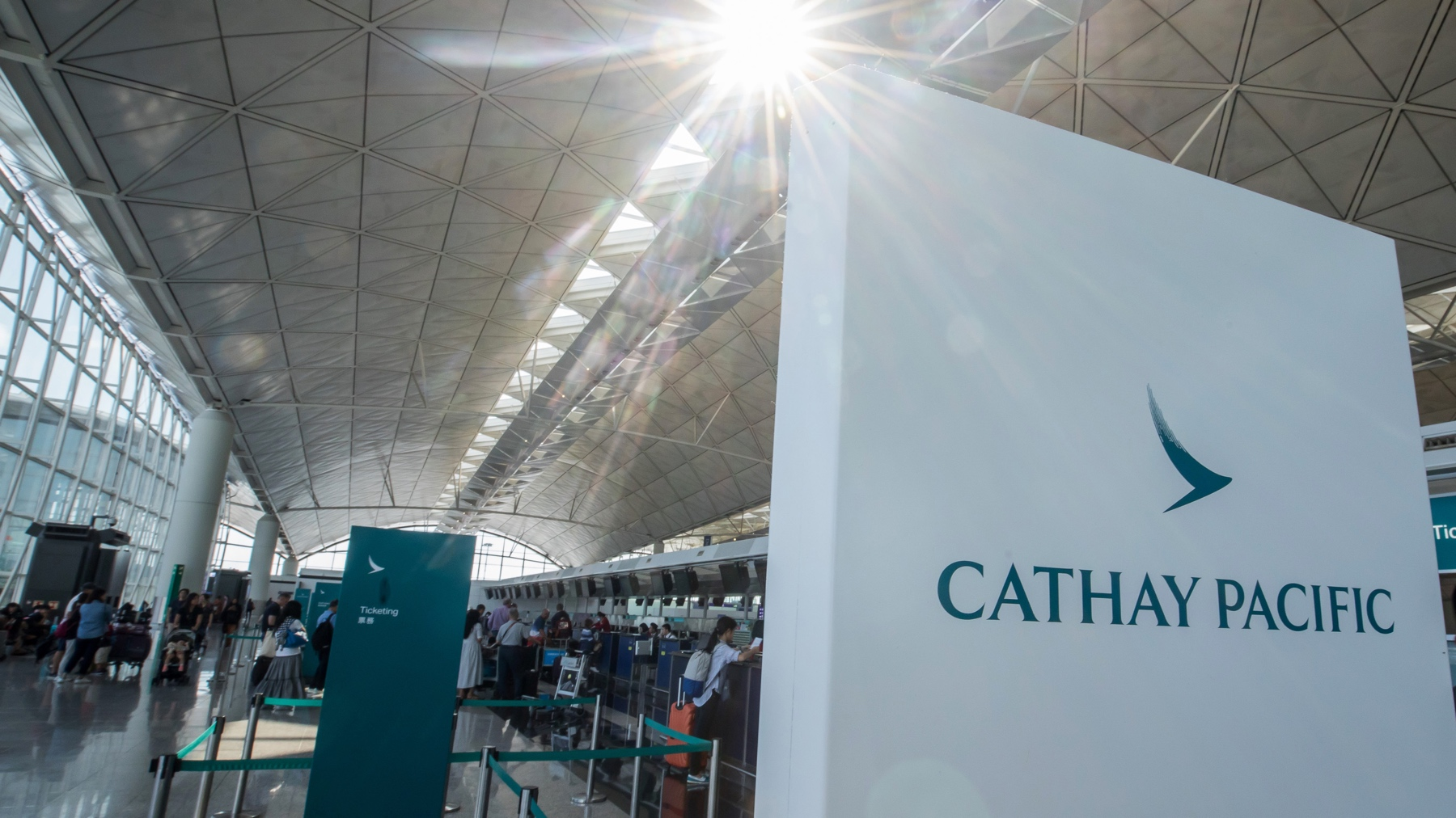Hong Kong's flagship airline to close U.S. cabin crew bases due to COVID-19