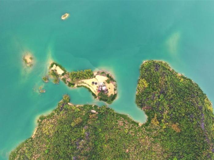 Scenery of Haokun Lake in Guangxi