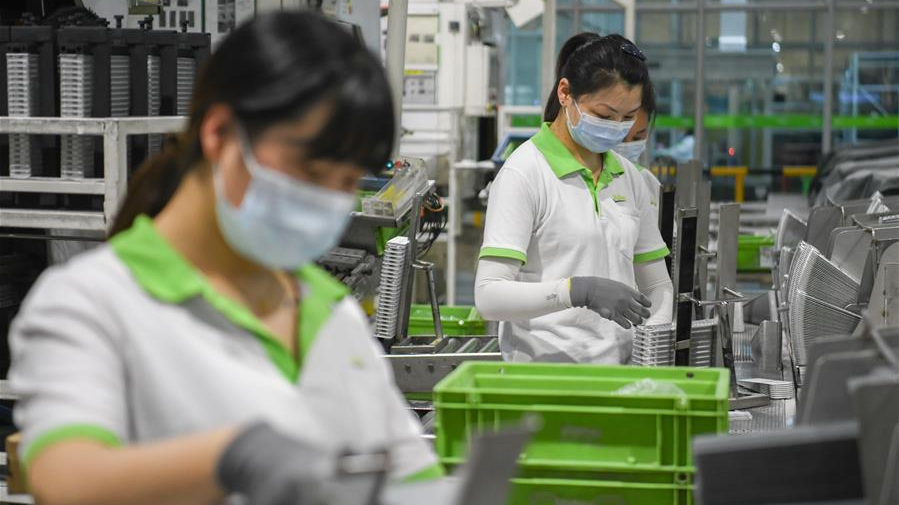 S.Korea's employment reduces 195,000 in March