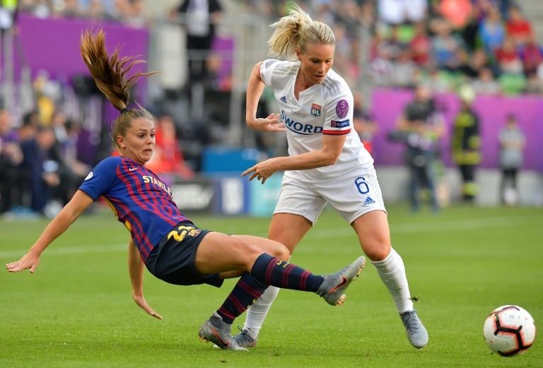 Women's football faces 'almost existential threat', report says