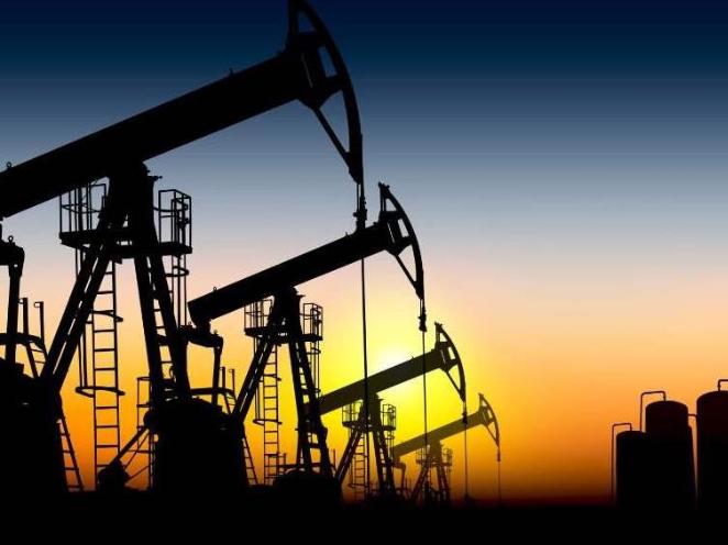 WTI oil price slumps by more than 10 percent