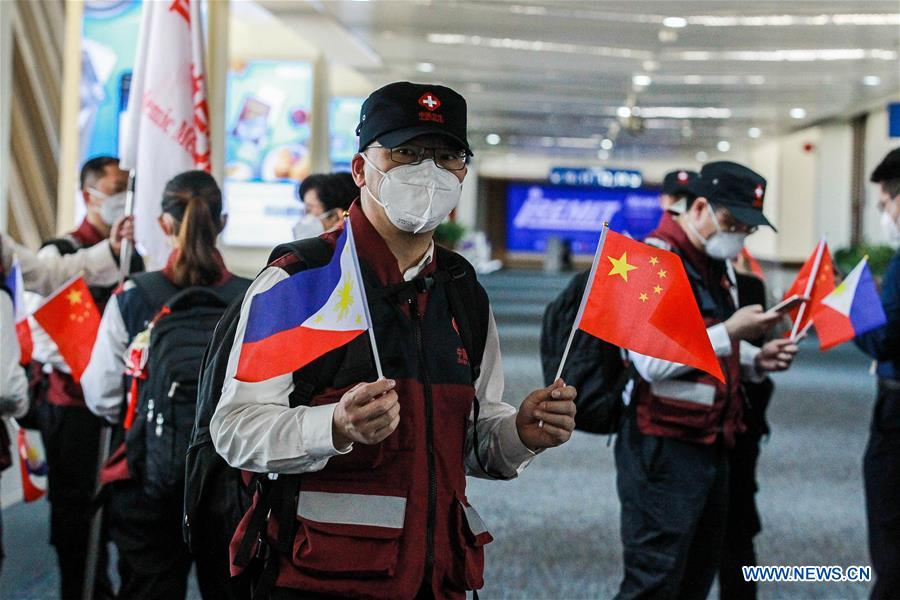 Chinese experts back home from Philippines after medical assistance
