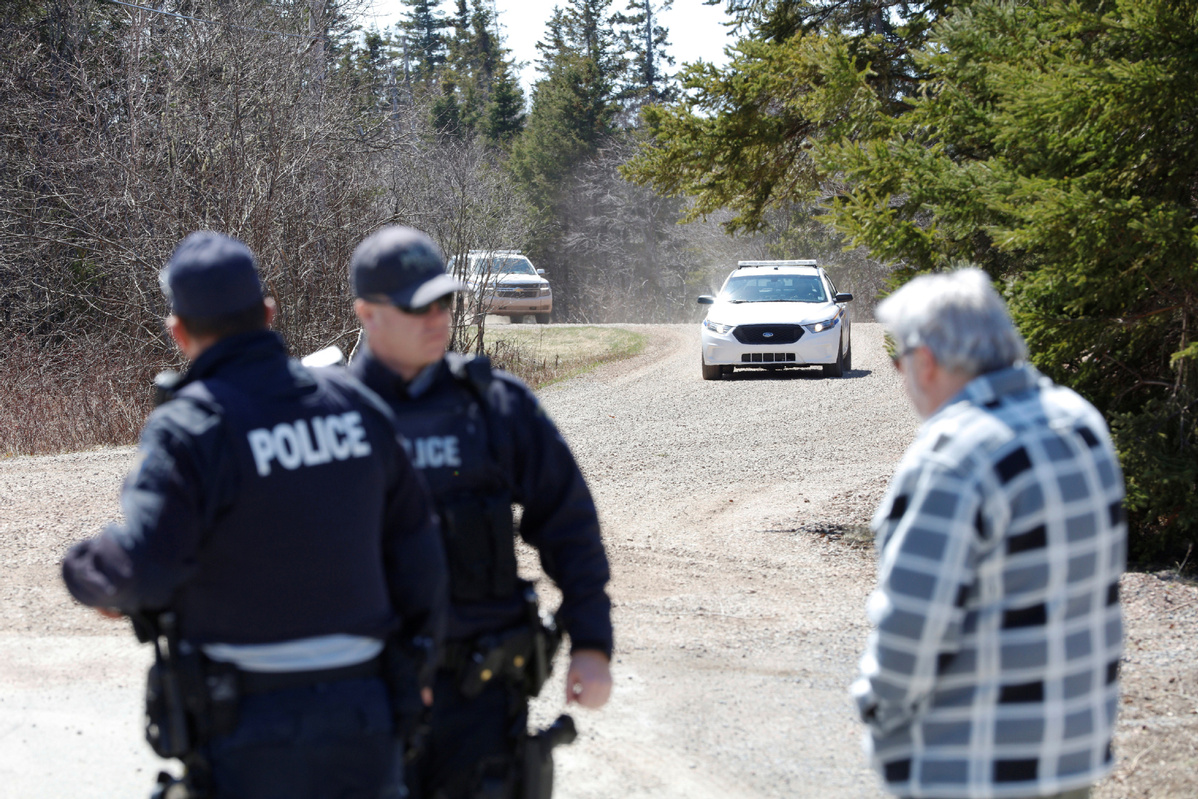 More than 10 people killed in shooting in Canada