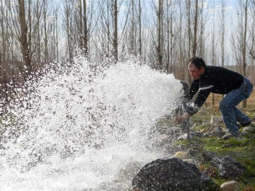 Reclaimed water widely used to improve ecological environment in Xinjiang