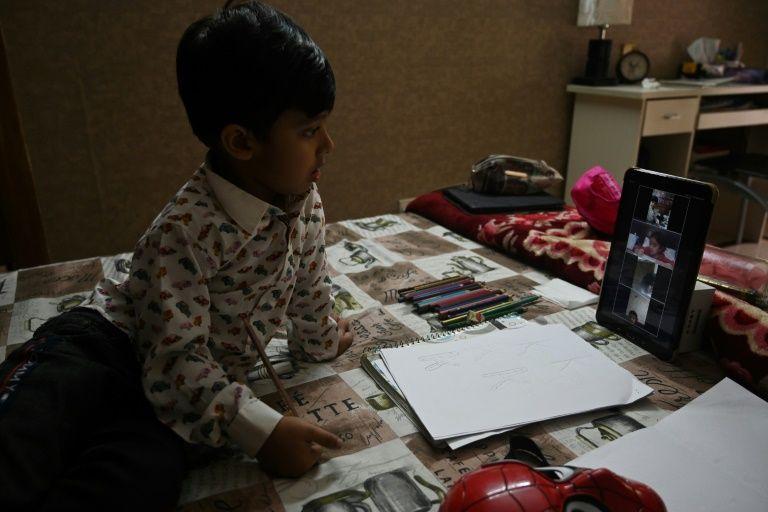 Half of world's locked-down pupils lack computer: UN