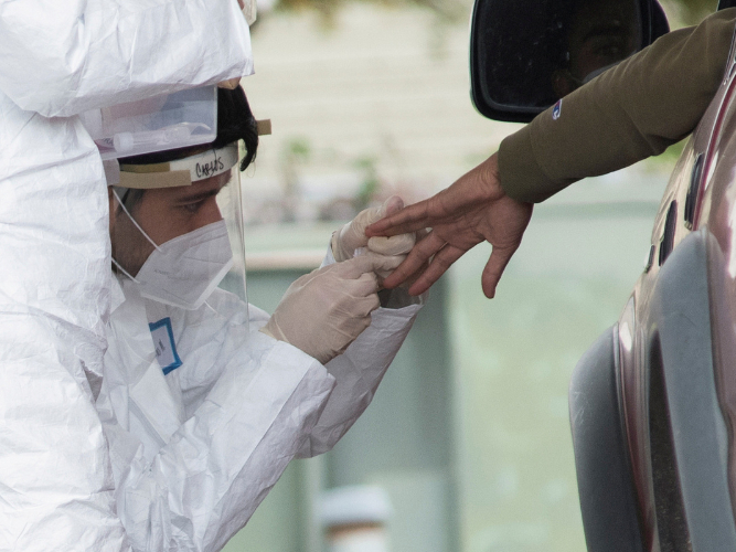 US governors say more virus tests needed