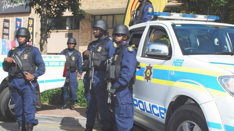 89 S. African police arrested for flouting lockdown orders