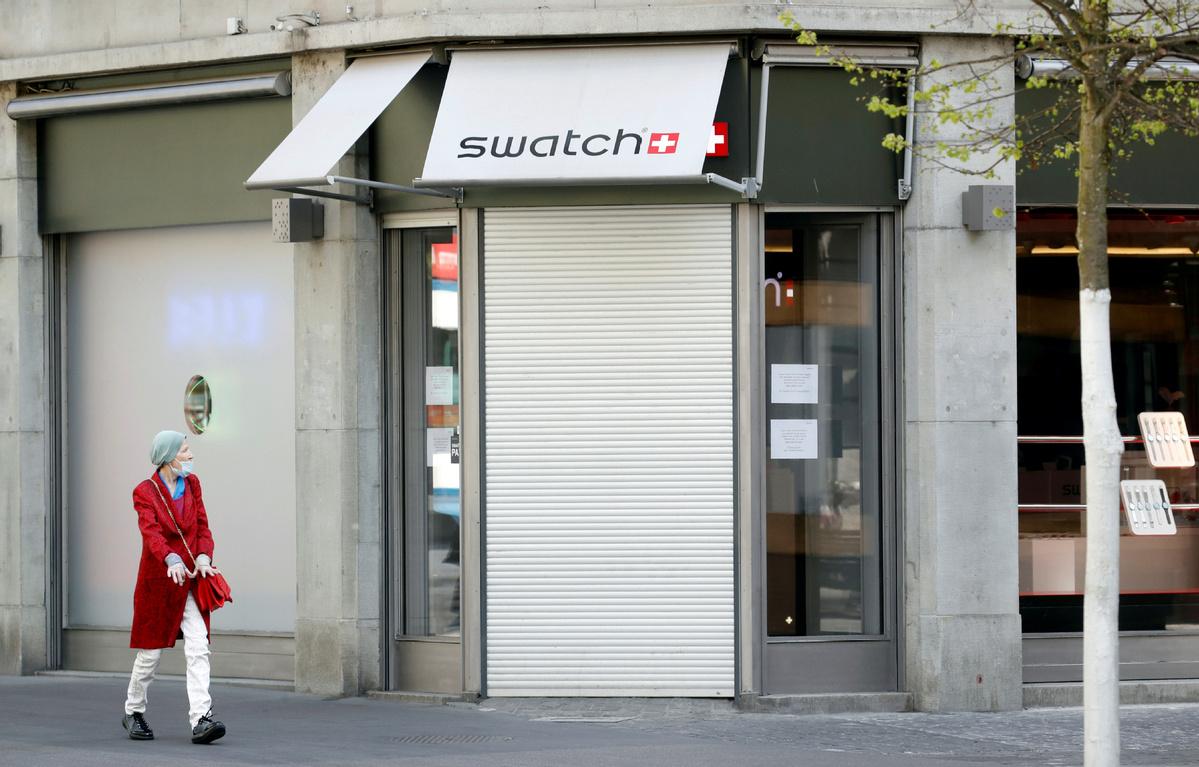 Swiss govt pledges to guarantee mask supplies ahead of easing lockdown