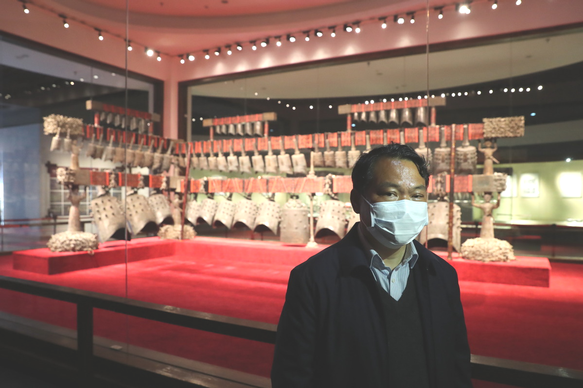 Hubei museum staff shield relics throughout epidemic