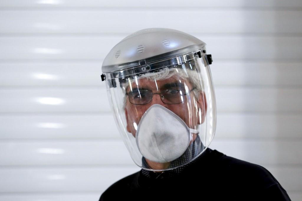 UK virus death toll climbs 684 to 19,506: govt