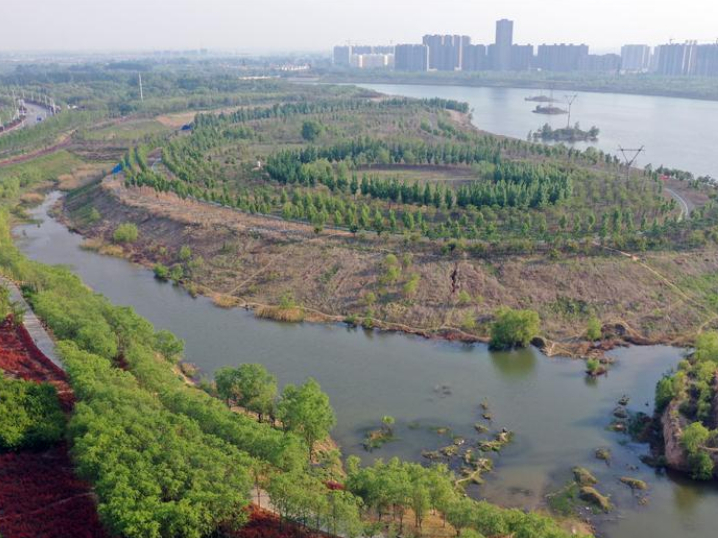 Spring scenery at Hebi section of Qihe River