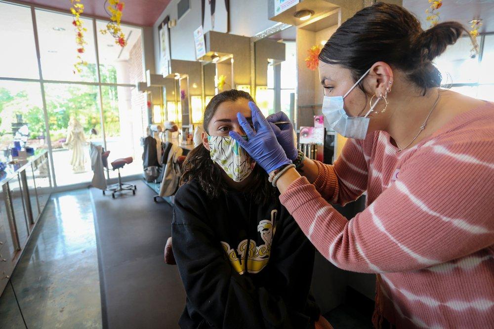 US Georgia reopens some nonessential businesses despite coronavirus concerns