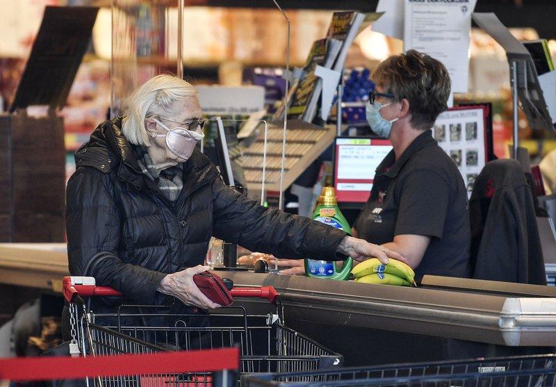 German business outlook plunges due to virus lockdown