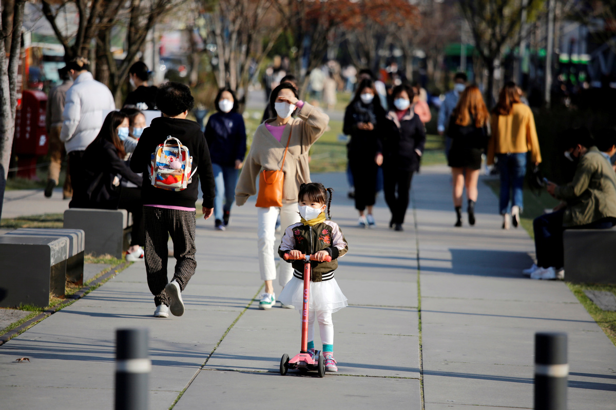 S. Korea reports 10 more COVID-19 cases, 10,718 in total