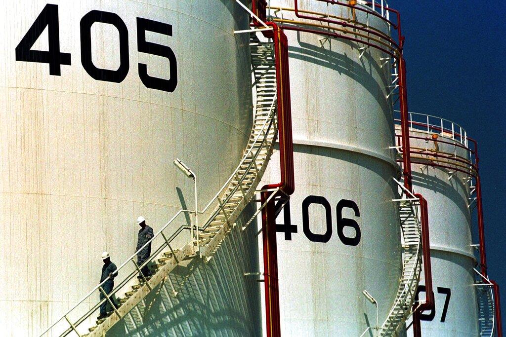 Mideast economies take massive hit with oil price crash