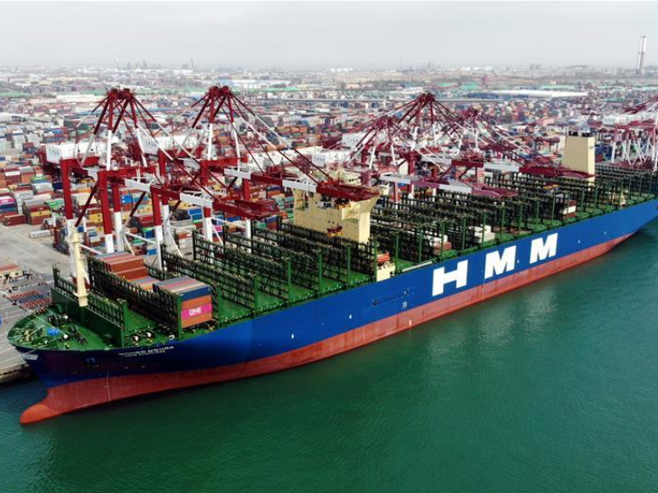 World's largest container ship starts maiden voyage from east China