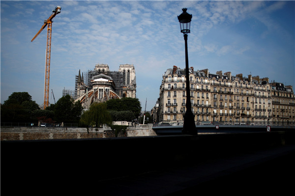 Renovation of Notre-Dame Cathedral in Paris resumes