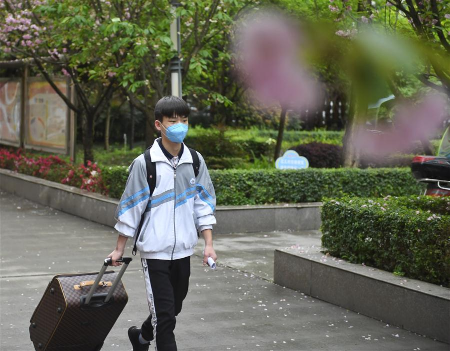 Classes to resume for Wuhan students in May