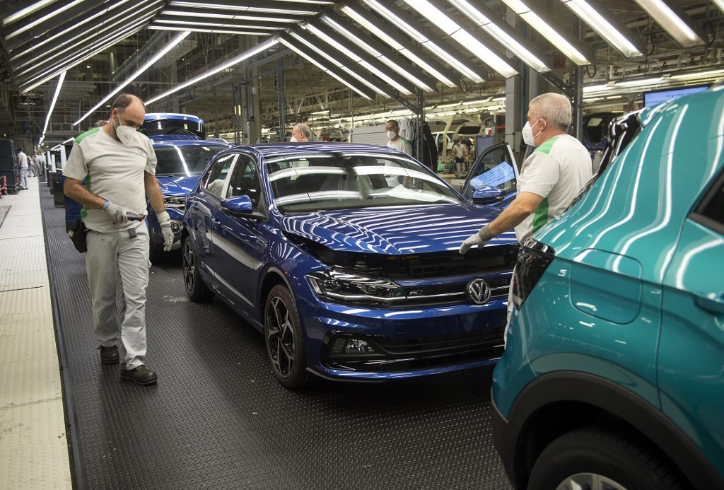 Spanish economy shrinks by record 5.2 pct in Q1 amid pandemic