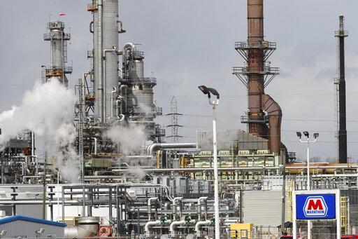 Oil extends rally as virus worries ease