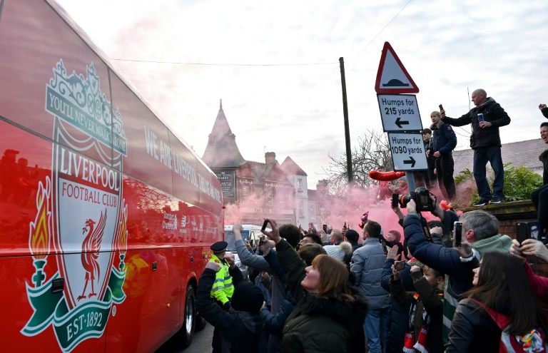 Liverpool mayor fears 'farcical' scenes if Premier League resumes