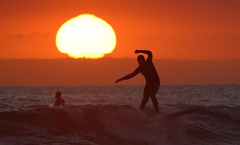 California county defies governor's virus shutdown order