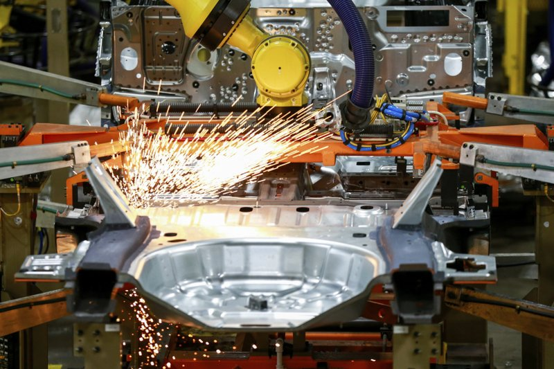 US manufacturing falls in April as virus ravages economy