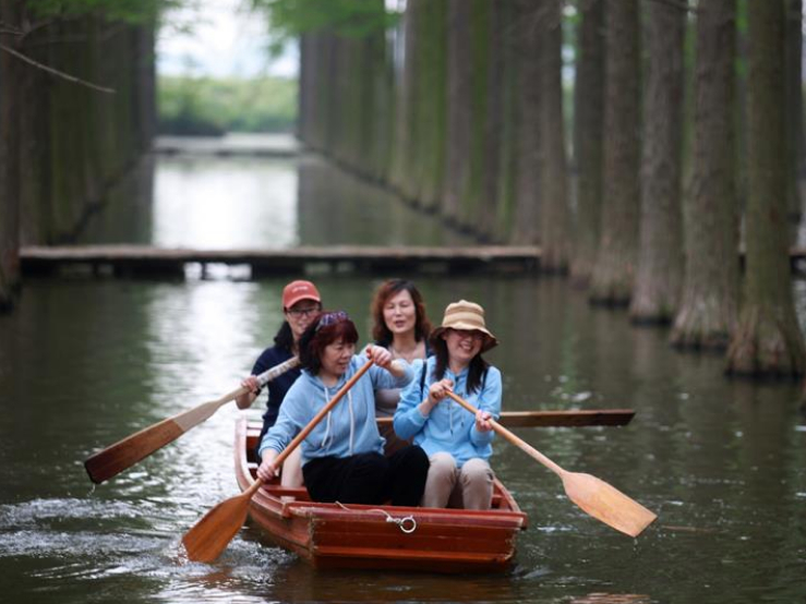 China sees 23m domestic trips on 1st day of holiday