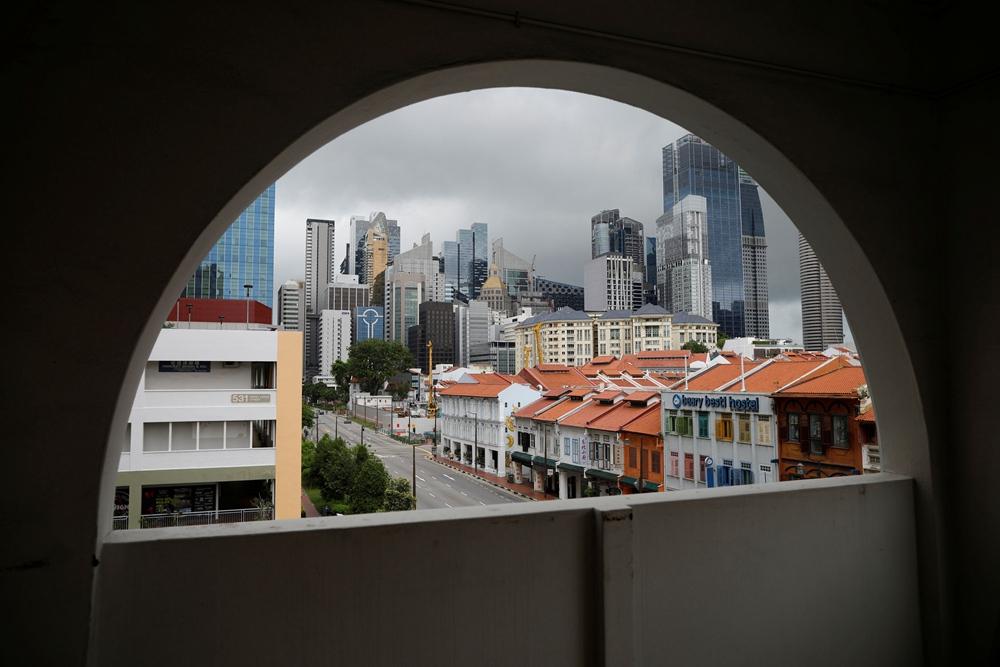 Singapore to gradually ease coronavirus curbs as spread slows