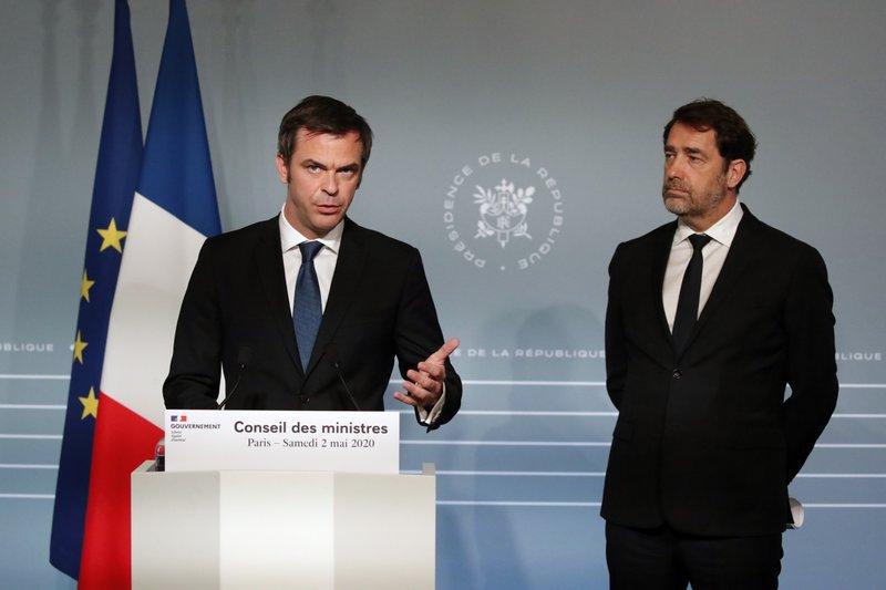 France to consider quarantine for travelers