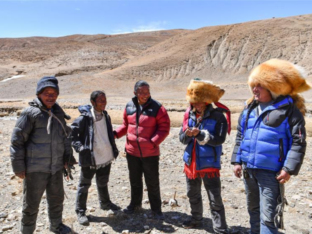 Tibetan Family shakes off poverty due to hard work, poverty alleviation efforts