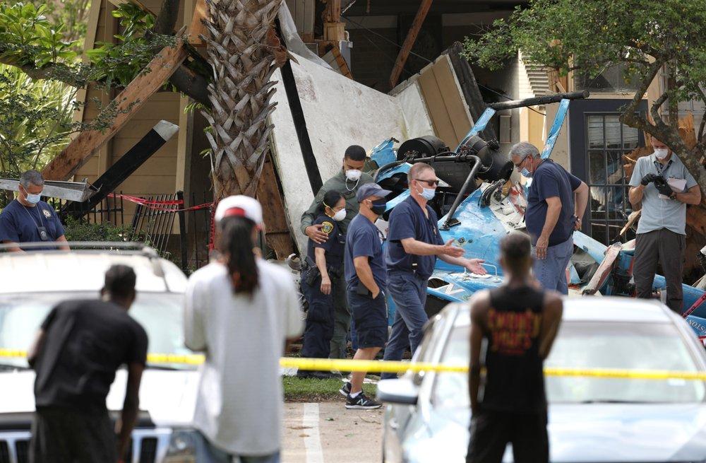 1 Houston police officer killed, 1 injured in US copter crash