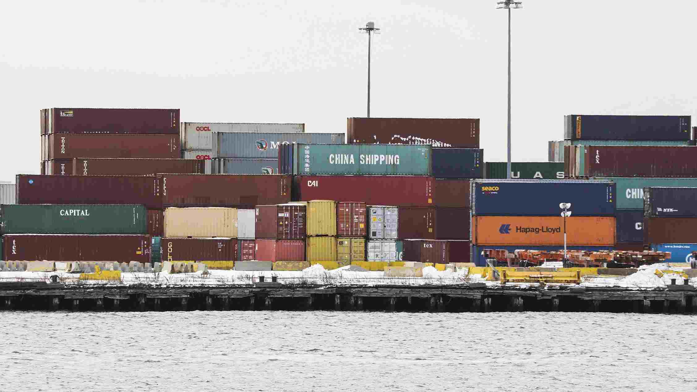 US trade deficit widens to $44.4 bn in March on falling exports
