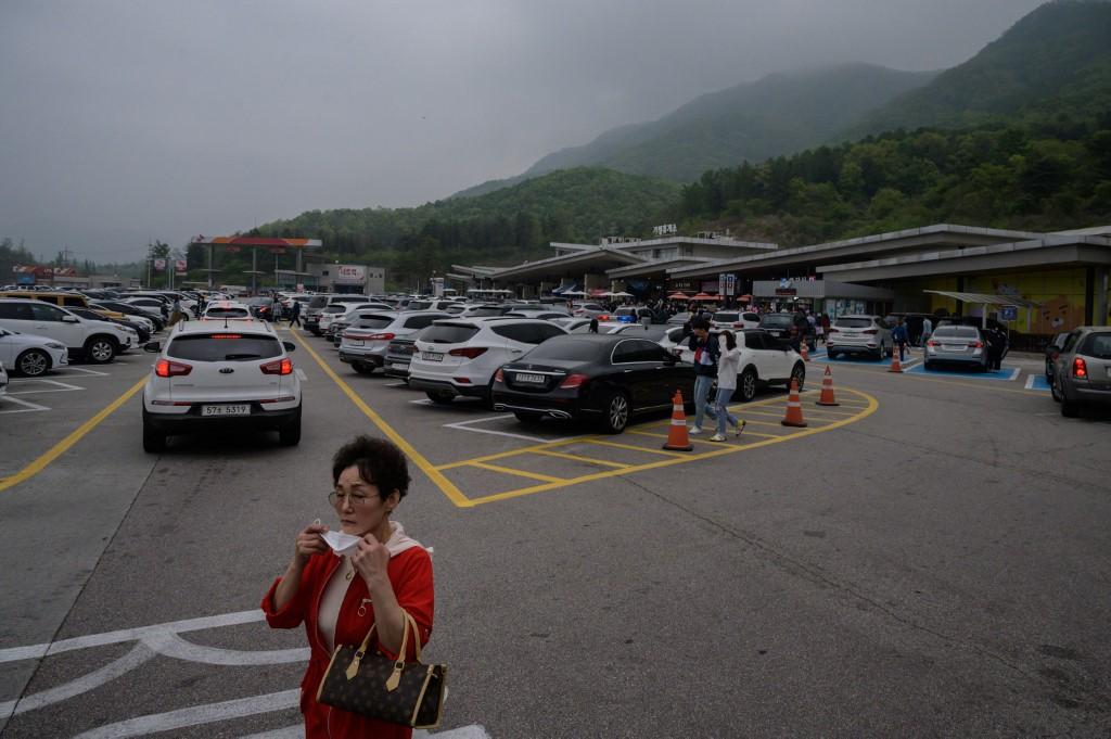 S.Korea reports 3 more COVID-19 cases, 10,804 in total
