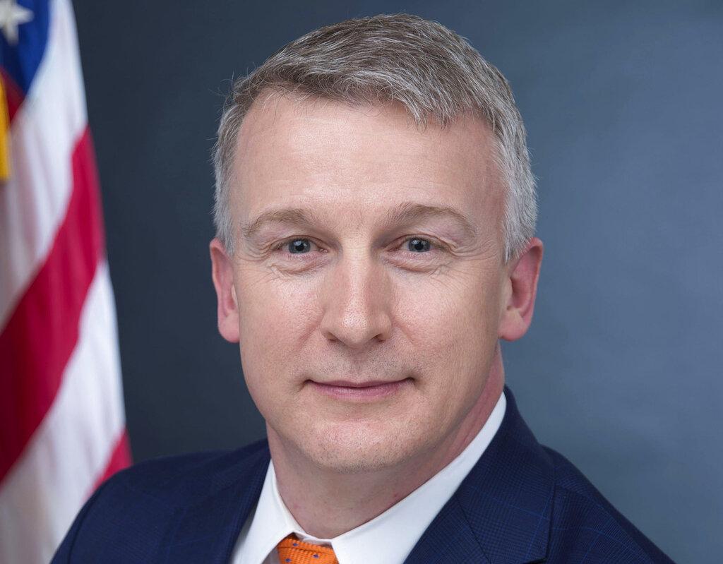 Whistleblower: US failed to prepare, sought quick virus fix