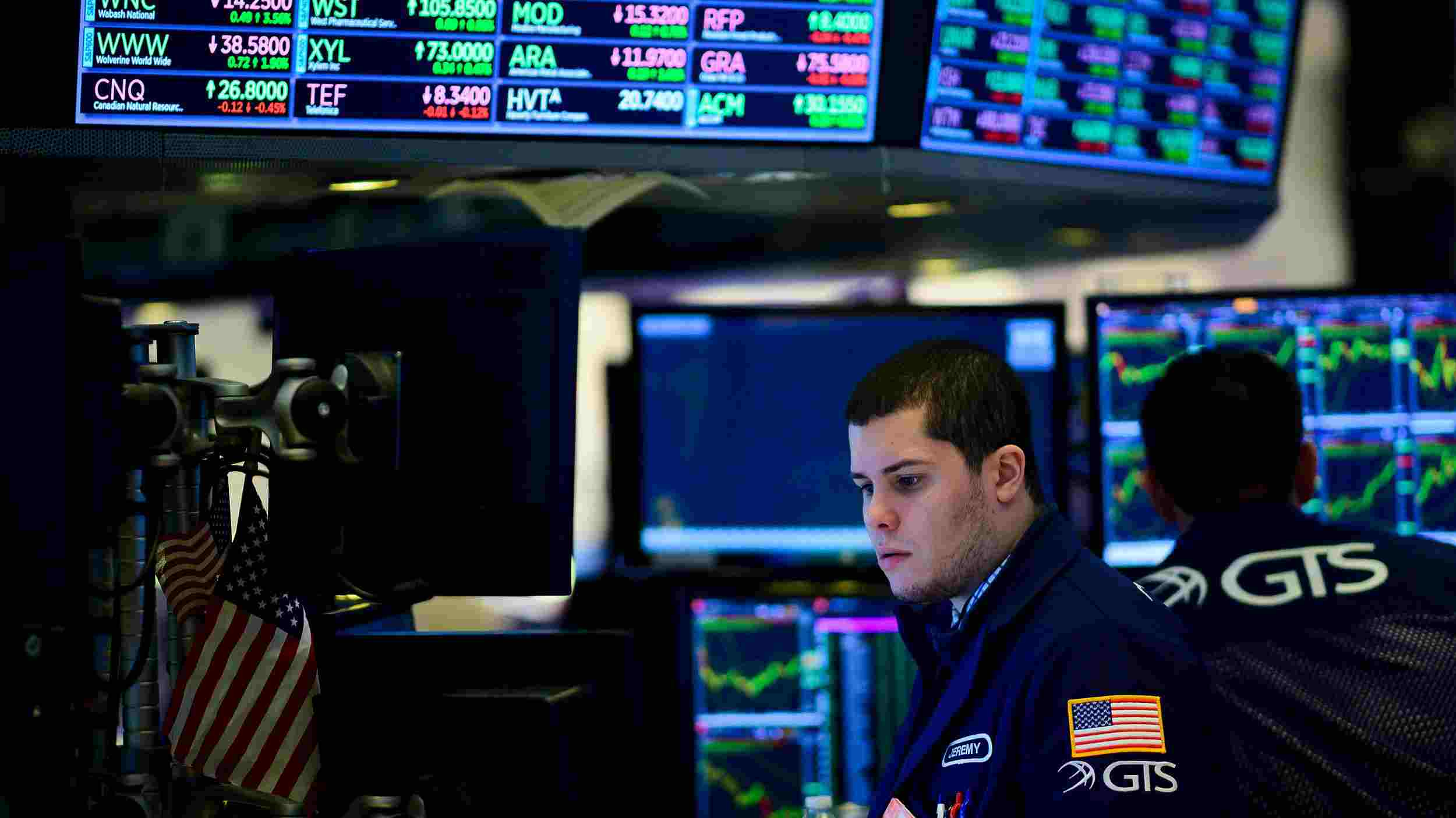 US stocks open up despite another jobless claims spike