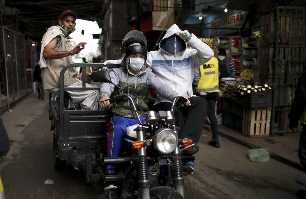 Virus fears begin to haunt crowded slum in Argentine capital