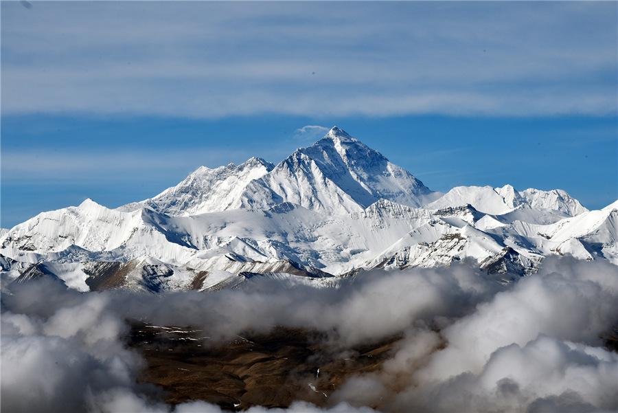 Incredible beauty of Mount Qomolangma