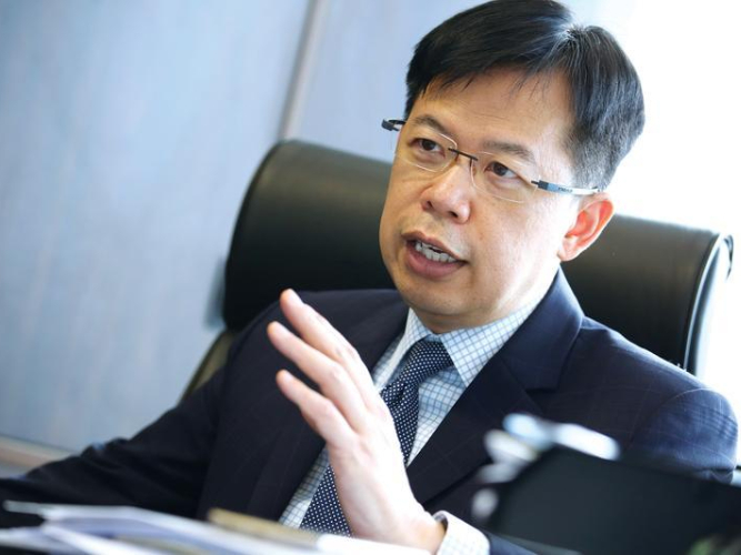 Banking lawmaker expects slow rebound post-pandemic