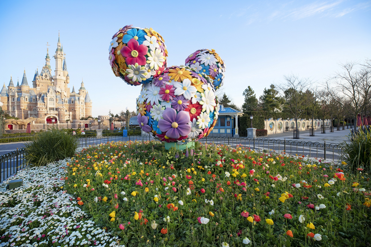 Shanghai Disneyland sells out tickets for reopening day